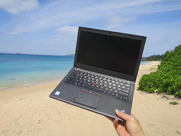 ThinkPadのサイズ感は持ち運ぶとしっくりくる