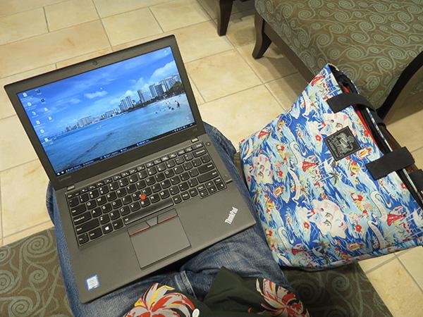 ThinkPad X260 持ち運びと画面サイズのバランスが抜群