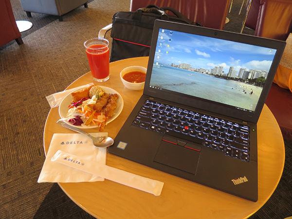 ThinkPad X260 デルタスカイラウンジにて